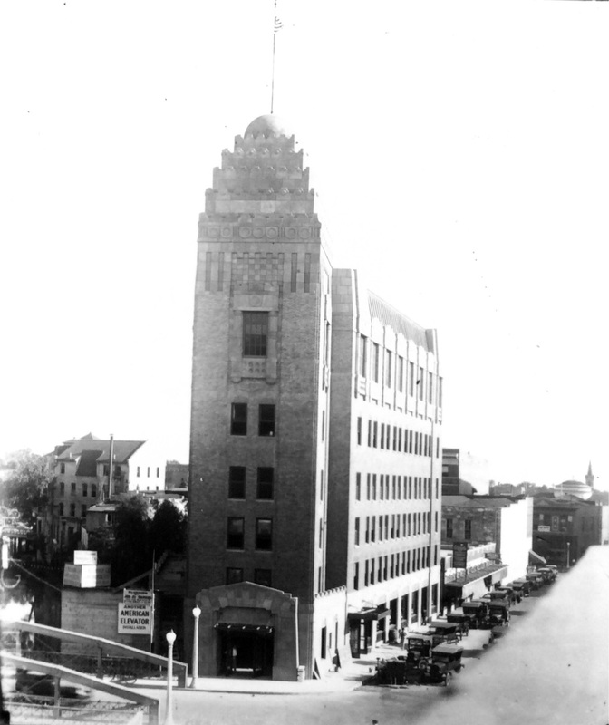Casino Club building, downtown San Antonio, with San Antonio River  | Drink up the history with The Barwalk, San Antonio TX